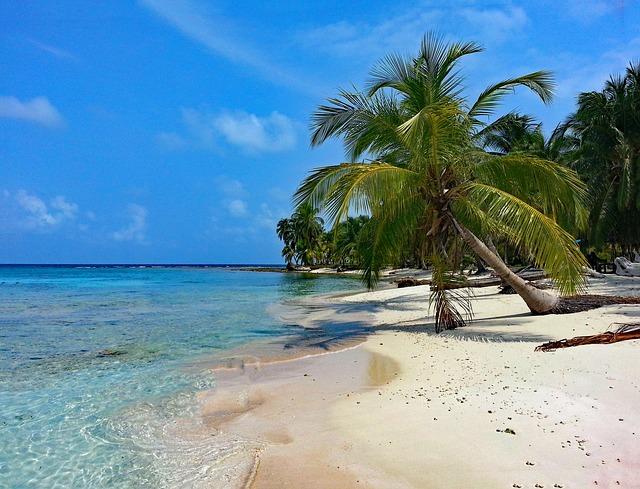 Backpacking in Panama - isla diablo