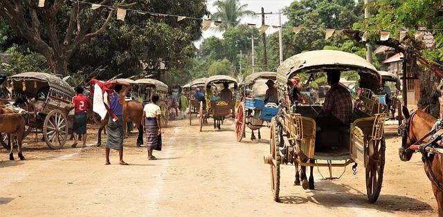 Backpacking in Myanmar - Street life