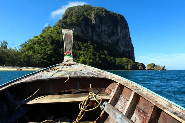 Backpacking in Thailand - Longtail Boat