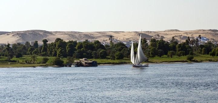 Ägypten Nilufer