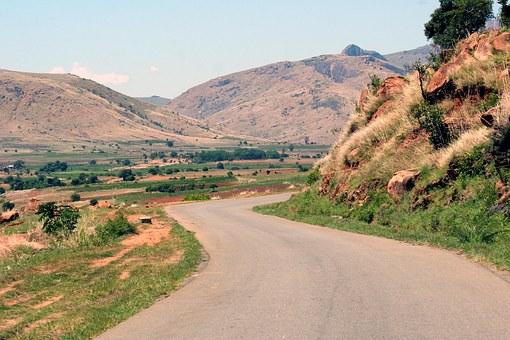 Landschaft und Bergmassiv in Madagaskar