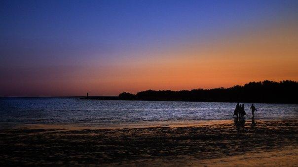 Sonnenuntergang am Strand von Madagaskar