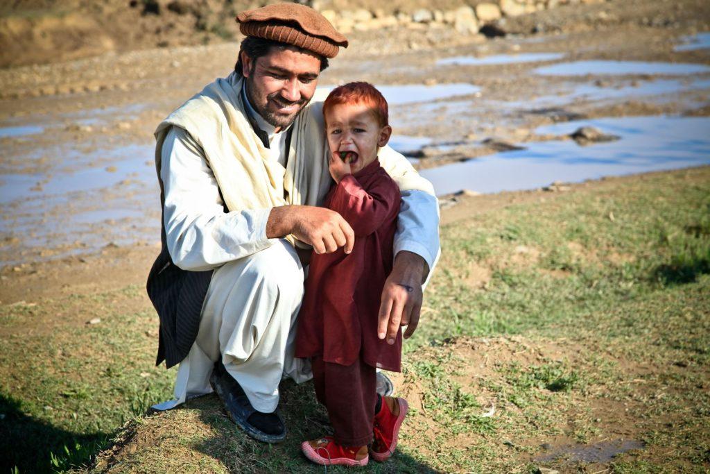 Backpacking in Afghanistan - Vater und Sohn