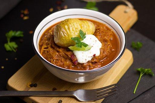 ungarischer Eintopf mit Sauerkraut