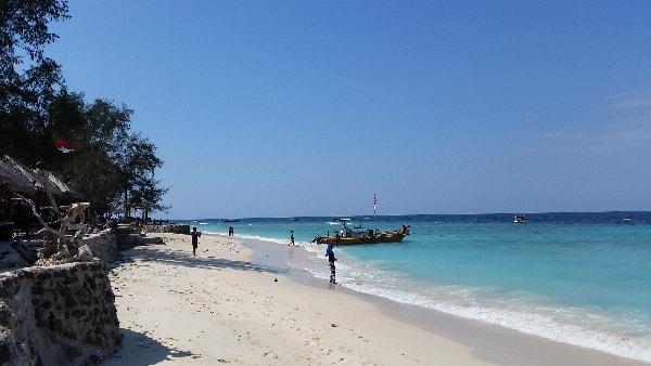 Strand Gili