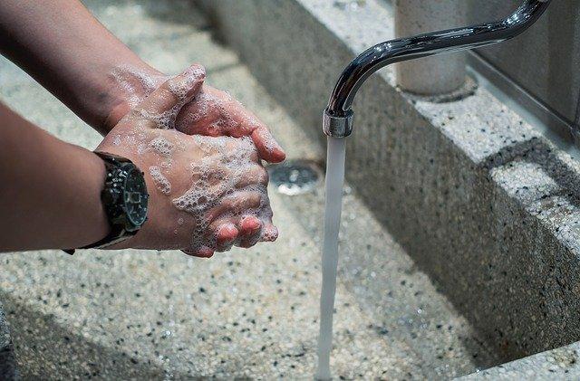 coronavirus washing hands